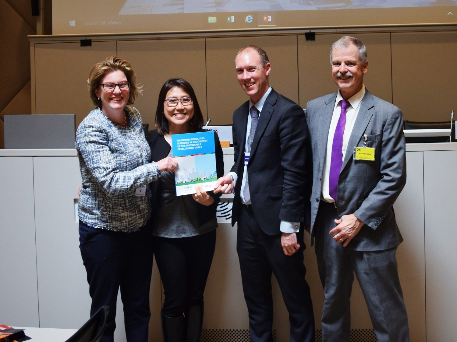 Laura Merrill (GSI), Rachel Bae (OECD), Michael Webb, (New Zealand), Ron Steenblik (GSI).