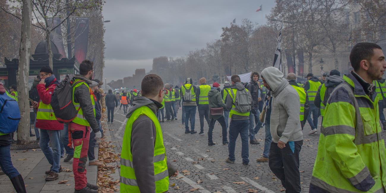 Yellow vest protests in France - image taken by ©NightFlightToVenues