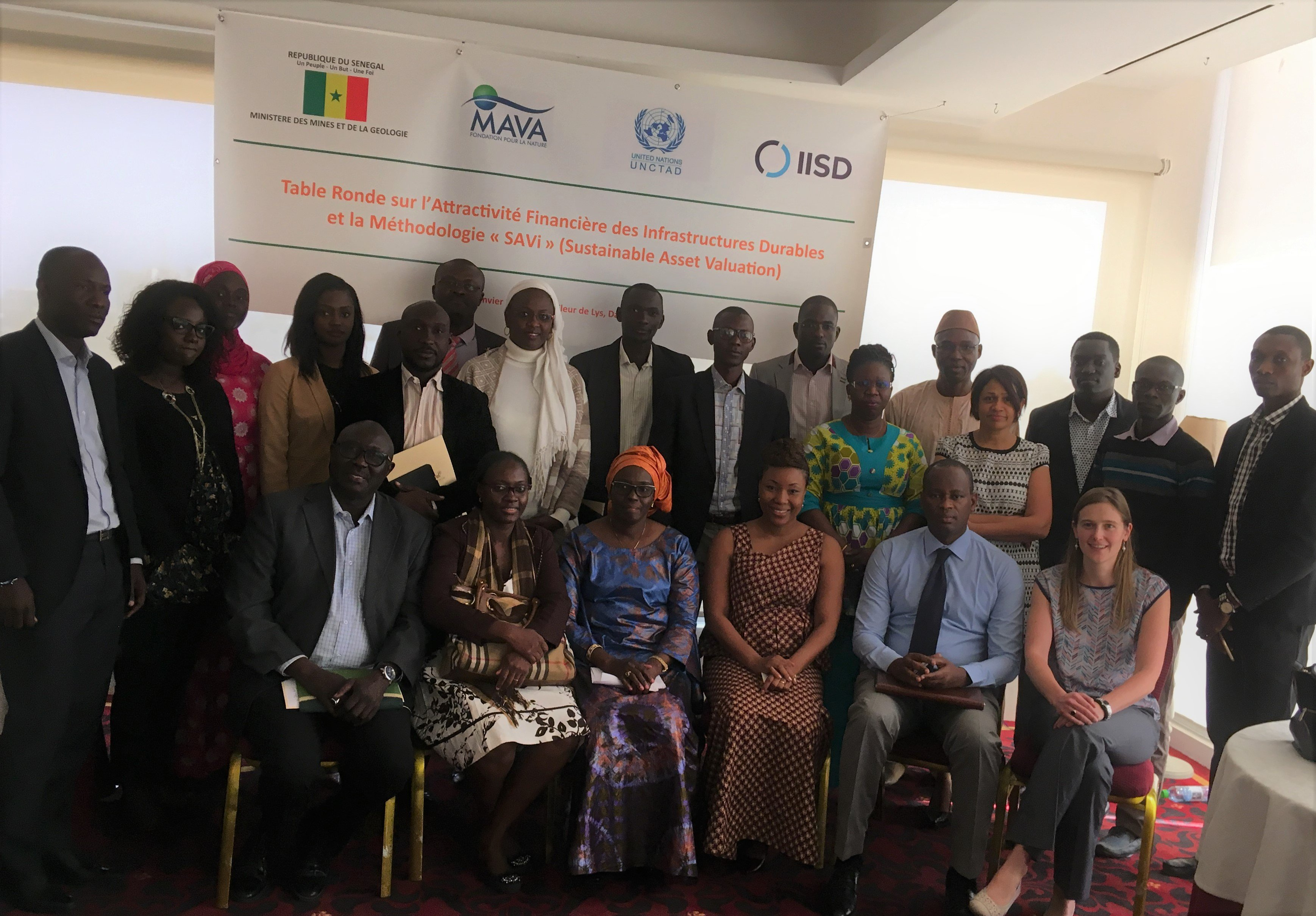 group photo sustainable investment workshop in Dakar Jan 2018